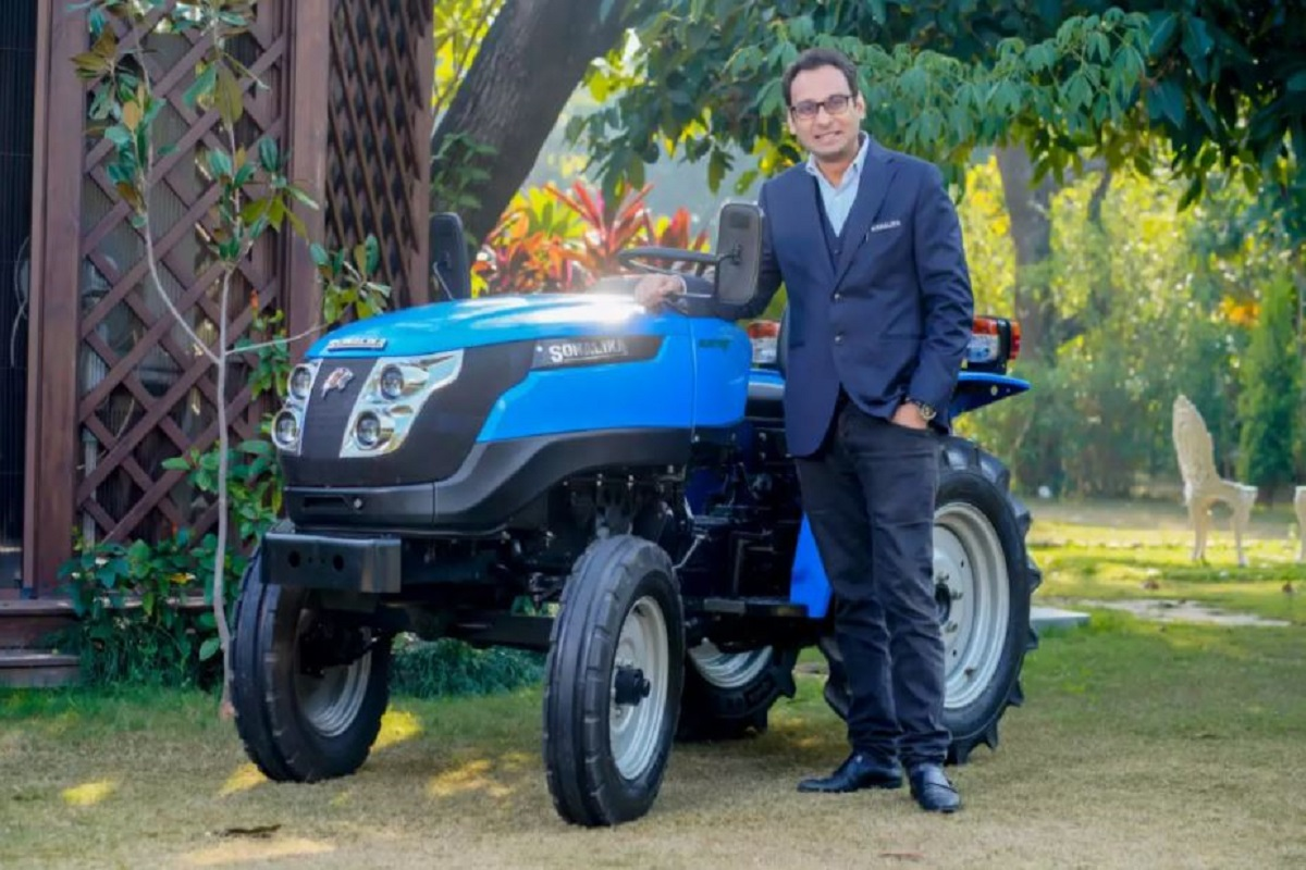 Farmers have come to buy an electric tractor - price only Rs 5.99 lakh!