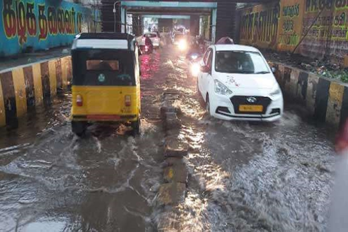 Heavy rain warning for 8 districts - Chennai turned into a floodplain due to continuous rains!