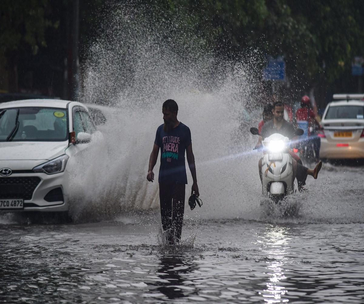Heavy rain warning for 9 districts- Weather Center information!
