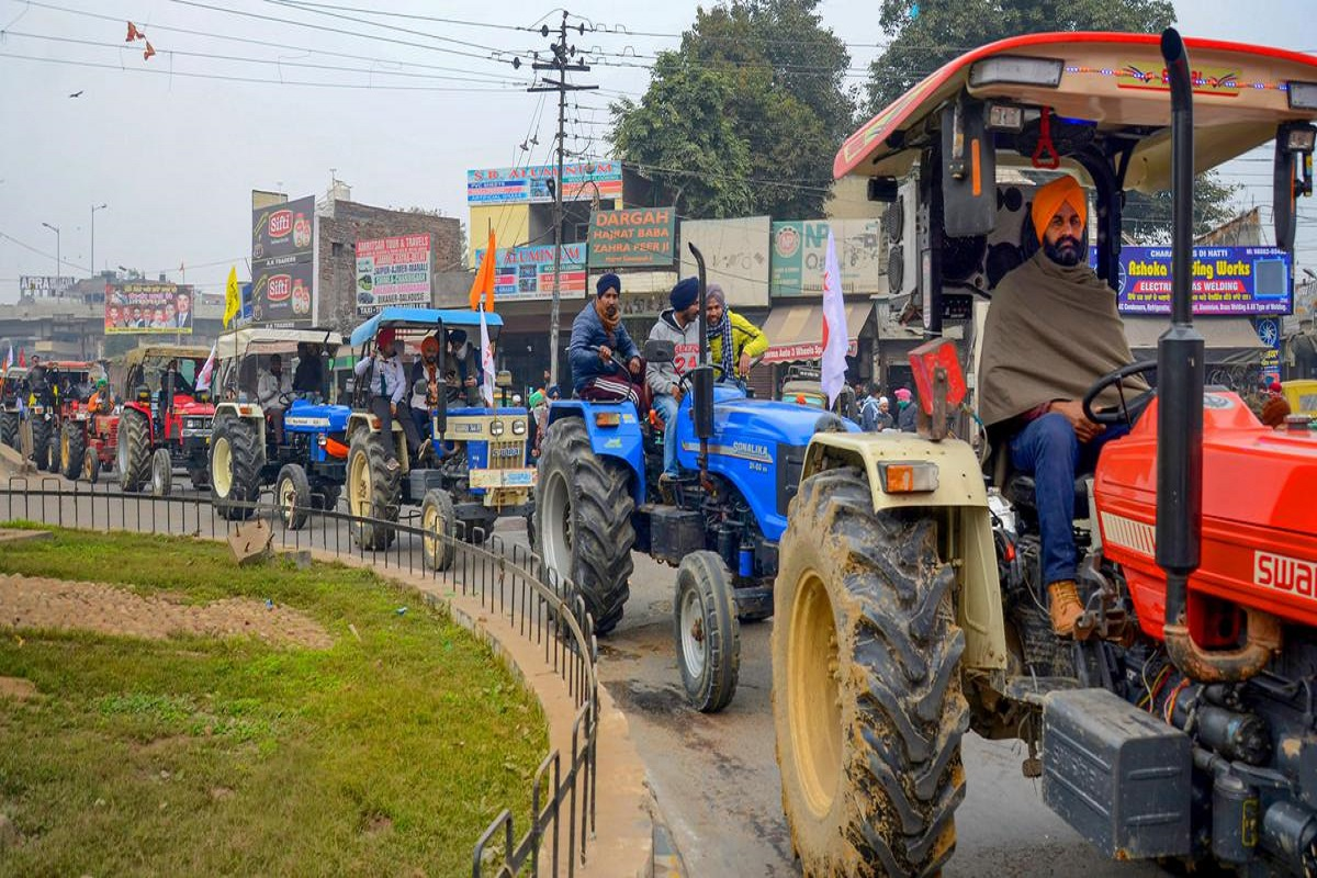 Massive rally in Delhi - 2 lakh tractors enter the capital.