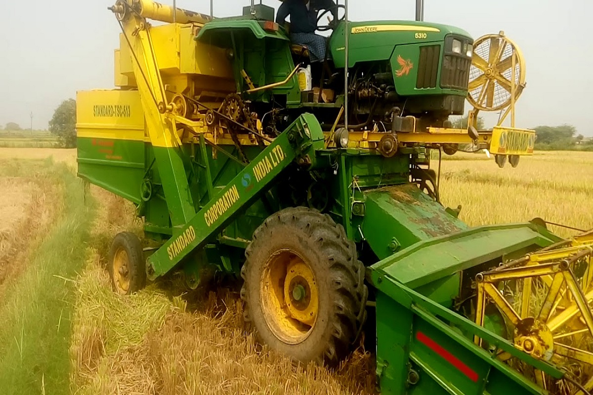 Rent for private paddy harvesters!