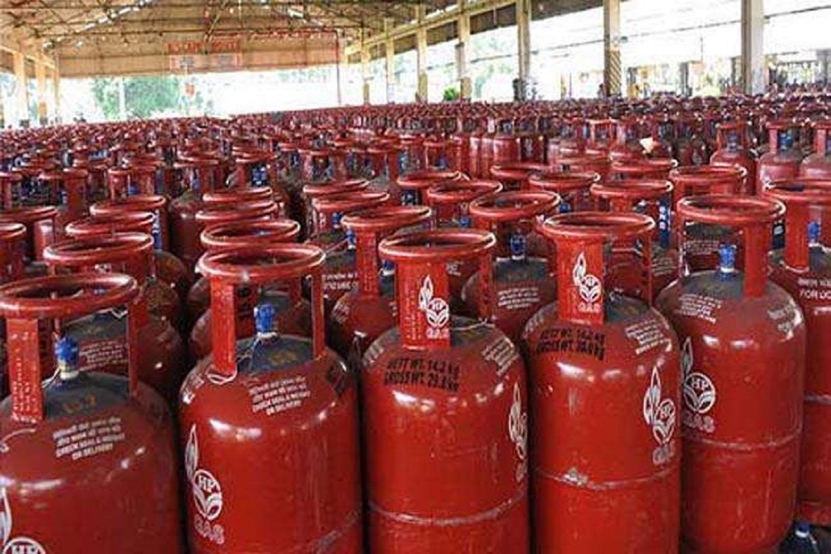 Free cooking cylinder for one crore poor - apply now!