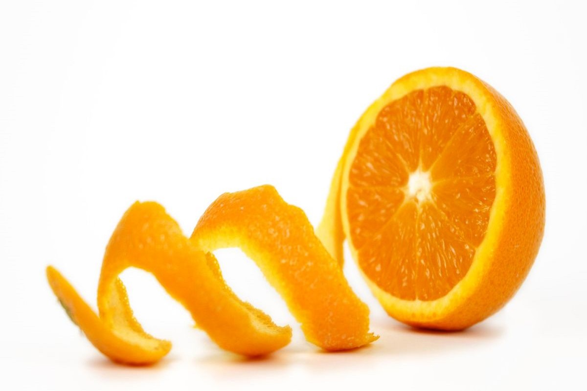 Orange peel insecticide that makes non-flowering plants bloom too!