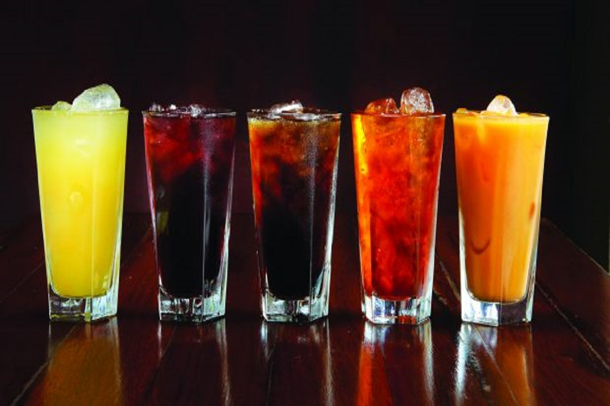 Is it good or bad to drink soft drinks in summer? The answer is inside!