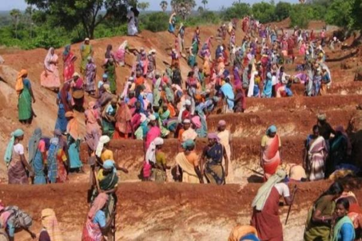 Rs.935 crore scam in rural work program exposed by central government audit